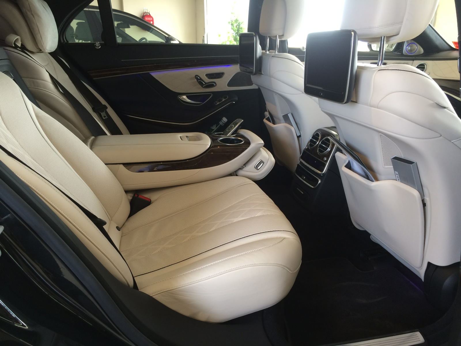 Luxury airport Transfer Melbourne